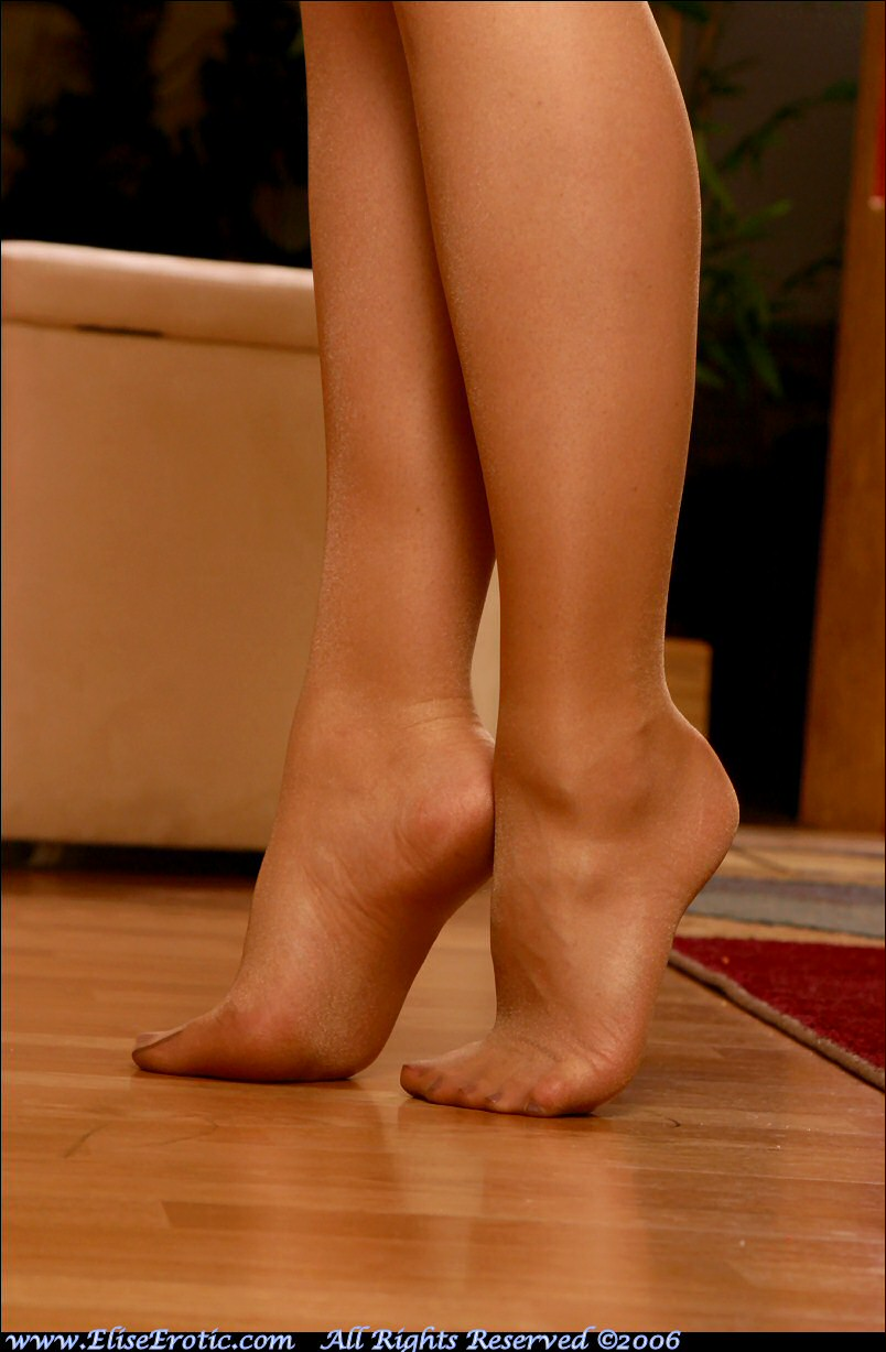 free pantyhose pictures and samples page""